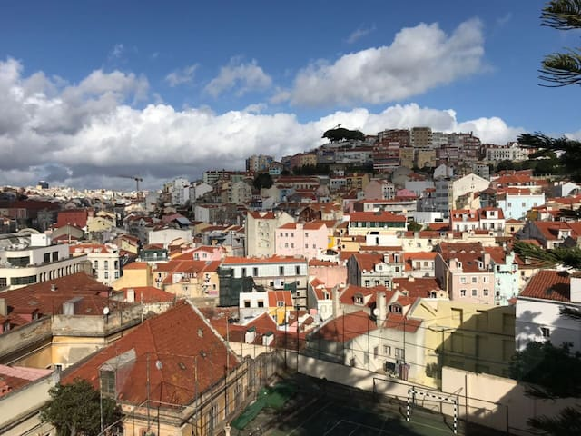 Old apartment on the center of Lisbon O
