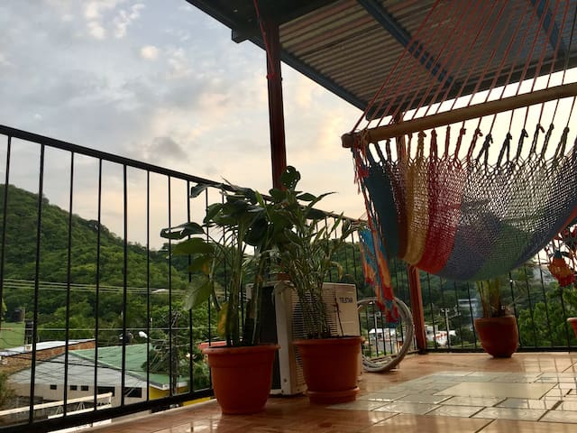 El Miradero: AC & amazing rooftop with town view.