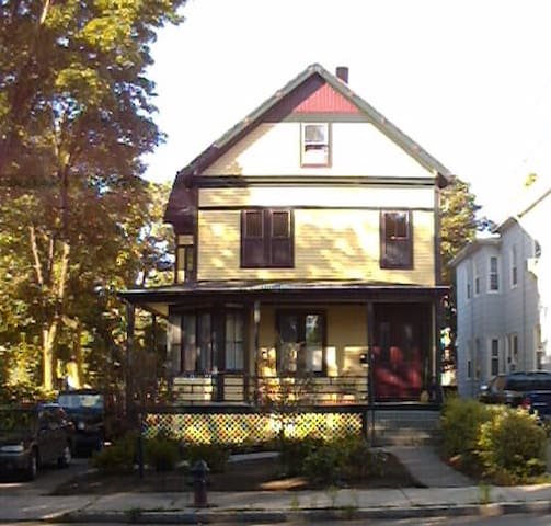 Lovely Stick style house built in 1900 - Somerville - Maison