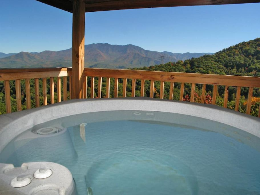 Starry Night Lodge has 2 hot tubs - The downstairs and main-level decks each have their own hot tub with a view of the Great Smok
