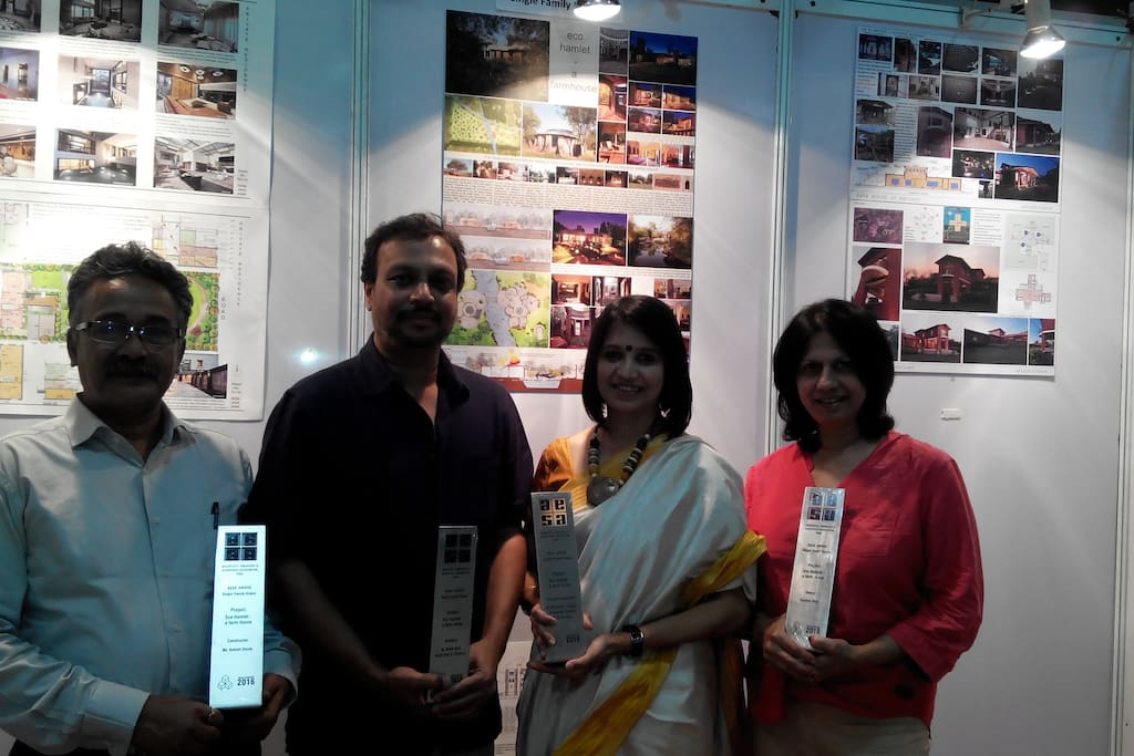 Best House award for the Engineer Ashish Desle, Architect Vivek Dixit and Owner Suchita Bhat