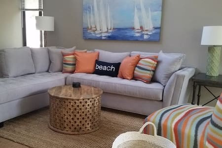 Where Family Fun Begins 2BR Villa, Walk To Beach - ヒルトンヘッドアイランド - 別荘
