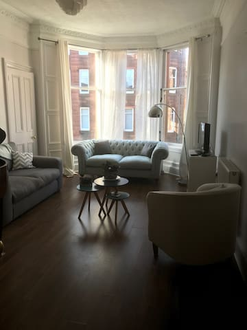 Large 1 bedroom period property with lovely light