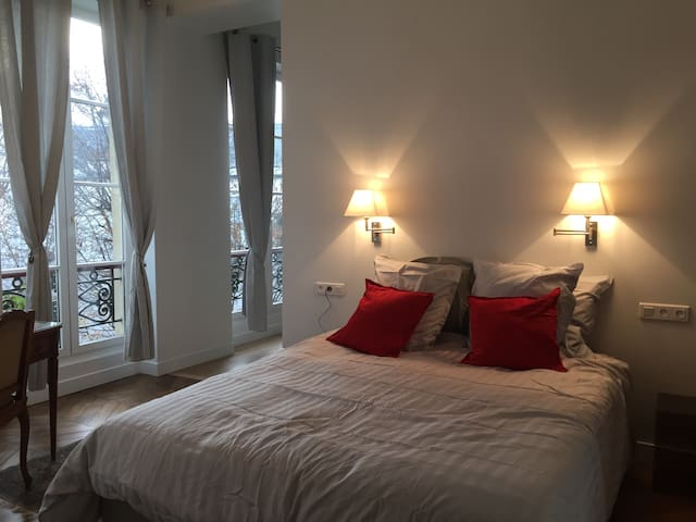 Fully renovated and quiet apt in South Pigalle - Paris - Apartment