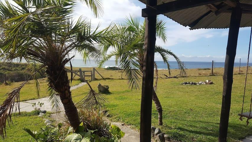 Beautiful rustic sea cottage, 2km Kob Inn