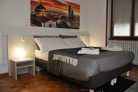 CityWalls Guest House Room 2