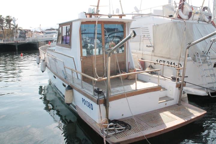The Aldebaran, Guest Boat