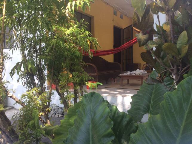 Green Village Dili Guesthouse / Home stay