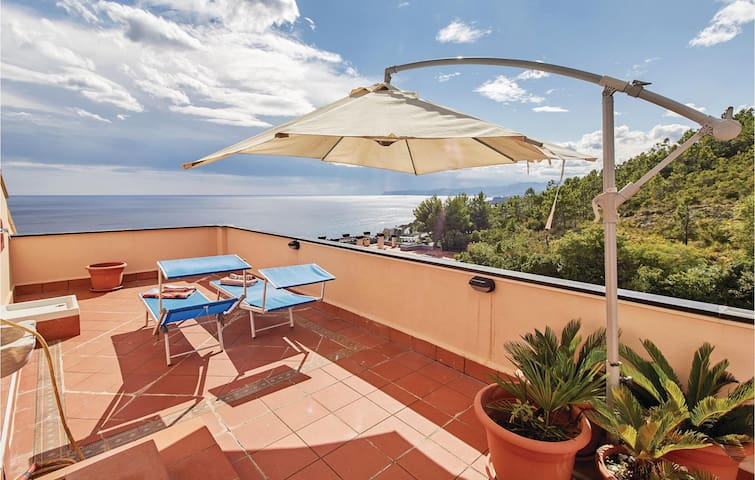 Holiday apartment with 2 bedrooms on 90m² in Varazze -SV-