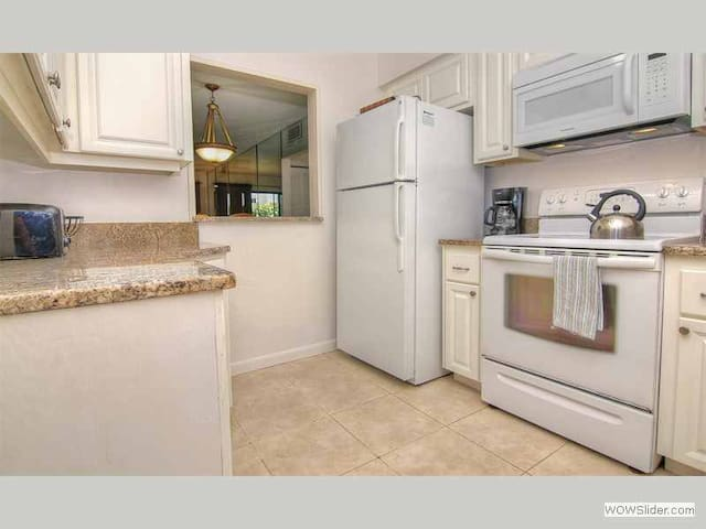 BLS107 - Elegant First Floor Condo on a Quiet Beach Just Minutes from all the Activities of Clearwater - Belleair Beach - Apartament