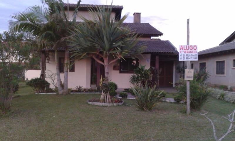 Casa inteira - Praia Paraíso-Torres/RS