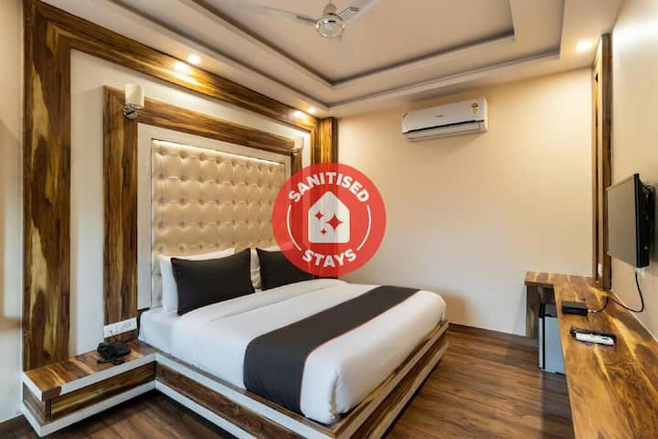 Classic room in Collection O 50141 Gk Residency