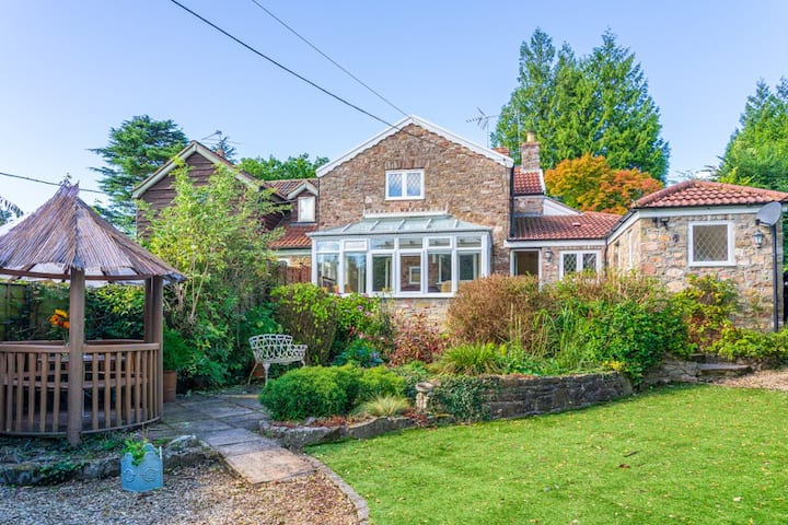 Beautiful three bedroomed house perfect for an overdue peaceful getaway in the Forest Of Dean