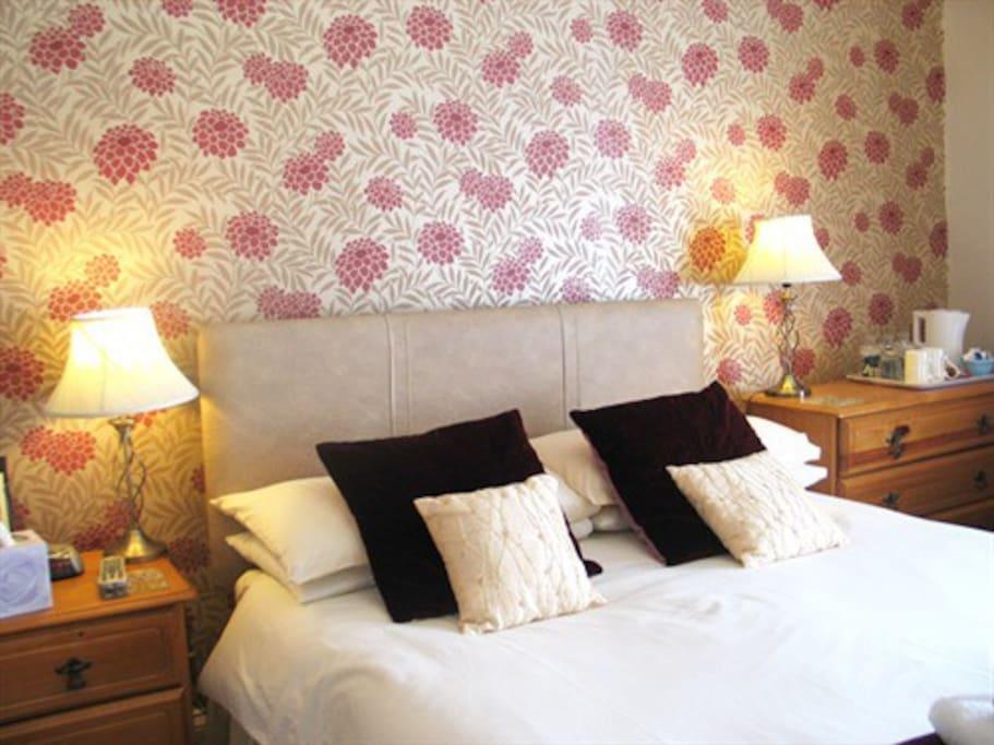 Standard en-suite Double room, excellent value for money accommodation