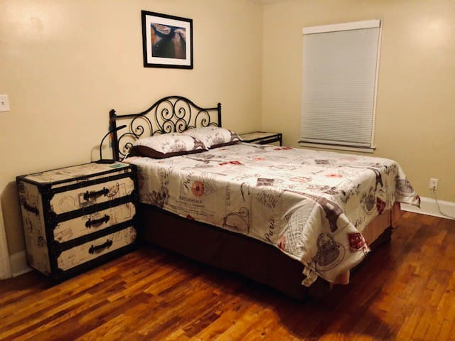 Eco-minimalist space- large room w/ queen bed
