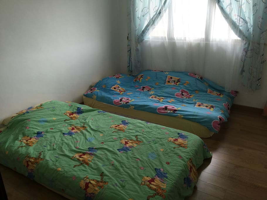 Twins Super Single Bed