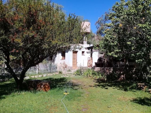 """Cabaña """"Sol y Cerros"""""""