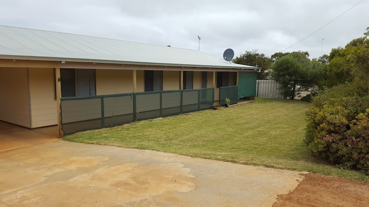 BIRDWOOD HOLIDAY HOUSE perfect for families