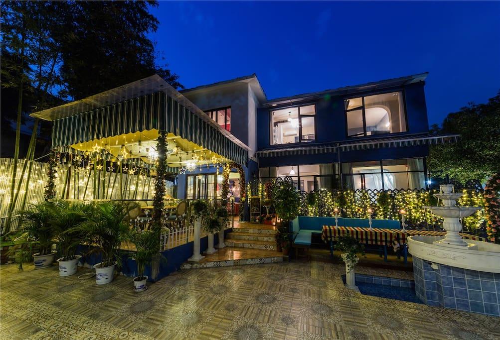庭院,院外就是百亩龙井茶园