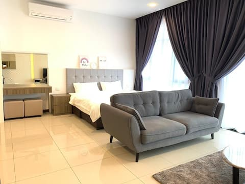 🌏Molek Regency💫@UHA Studio 1-3pax Luxury Free WiFi