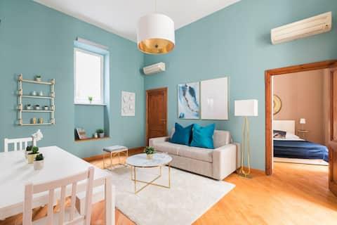 Cozy apartment in corner with Via Veneto