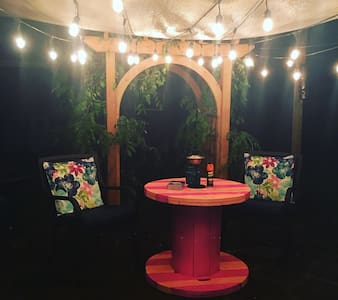 Rustic Glam Close to Nightlife - Fort Worth