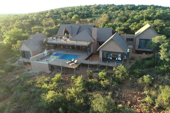 Hillside lodge in Elements Private Golf Estate