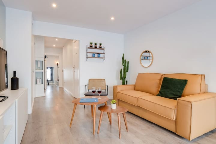 Spacious 2BDR in Gracia with balcony