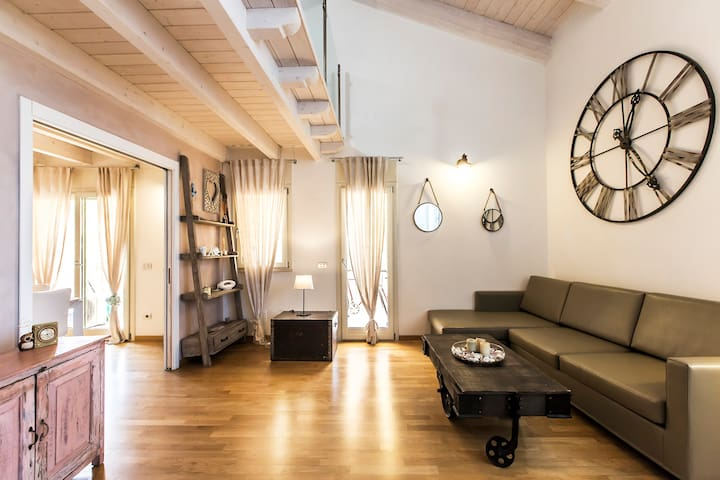 Romantic ChabbyChic Apartment Milano Navigli