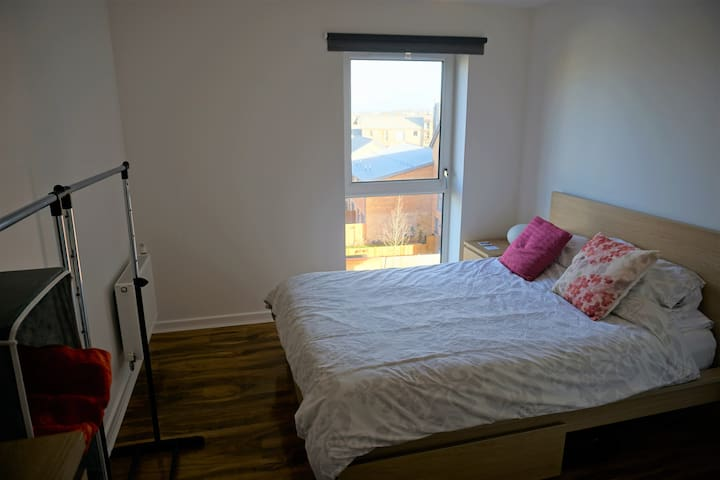 Private Double Room in Dartford - Dartford - アパート