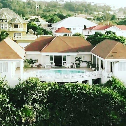 Bennmaya Voted #1 Villa in Jamaica  - Ocho Rios - Villa