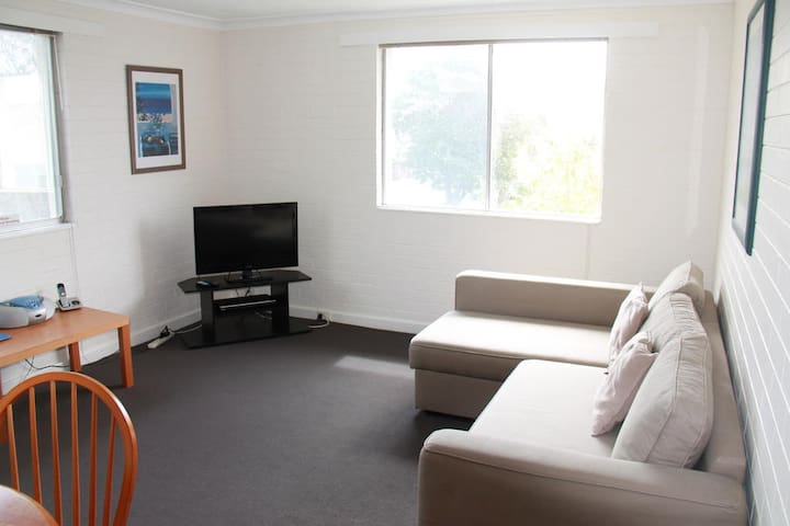 Malibu Studio Apartment (West Perth) - West Perth - Apartment