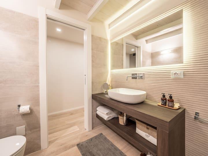 My Luxury Suites - App. Standard 009056-LT-0103