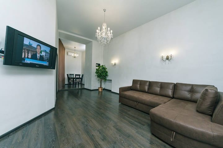 ★KyivHome★APARTMENT IN THE HEART OF THE KIEV★
