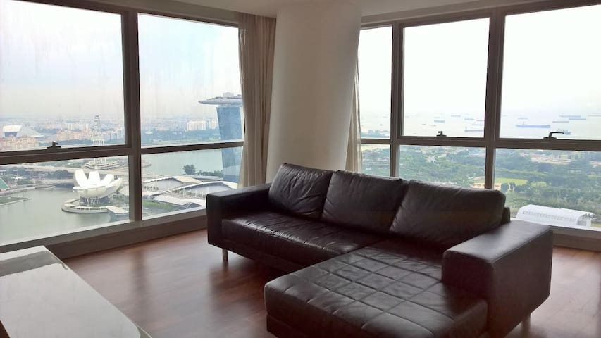 Just inside CBD , Studio Apartment - Downtown Line
