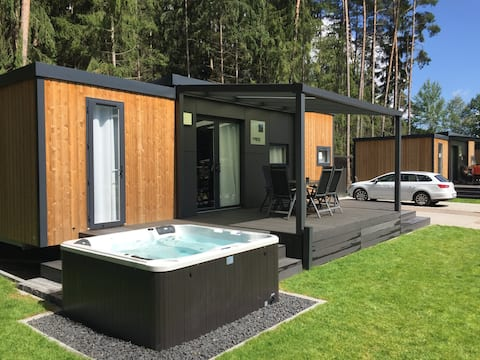 Luxurious mobile home with whirlpool (WA101)