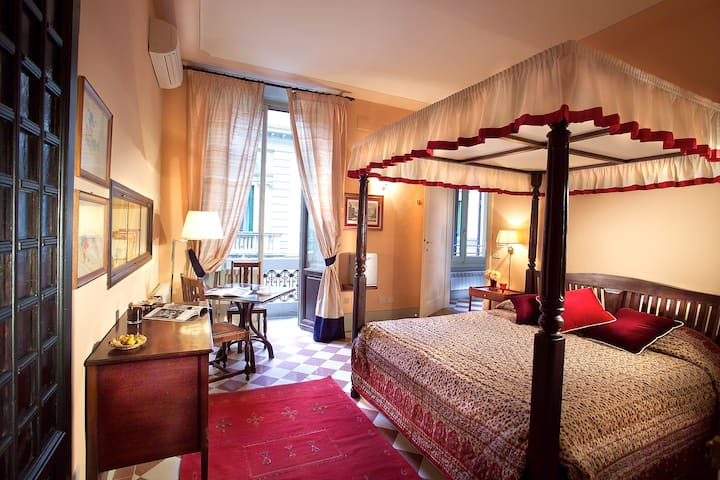 10 Romantic lodging  in Florence