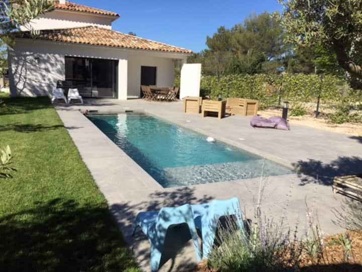 Villa contemporaine Éguilles avec piscine chauffée