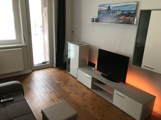 Very central apartment - 5 min to main station