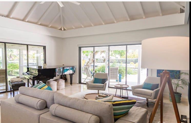 Living room with Yamaha C7 Grand Piano