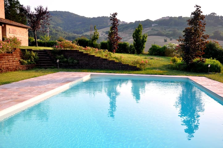 COUNTRY HOUSE PER VACANZE MARCHE - Montegiano - Casa