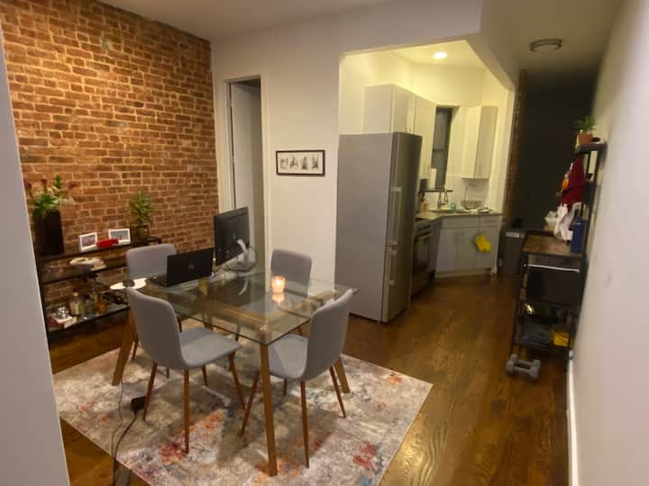 Spacious & modernly decorated apt in Crown Heights