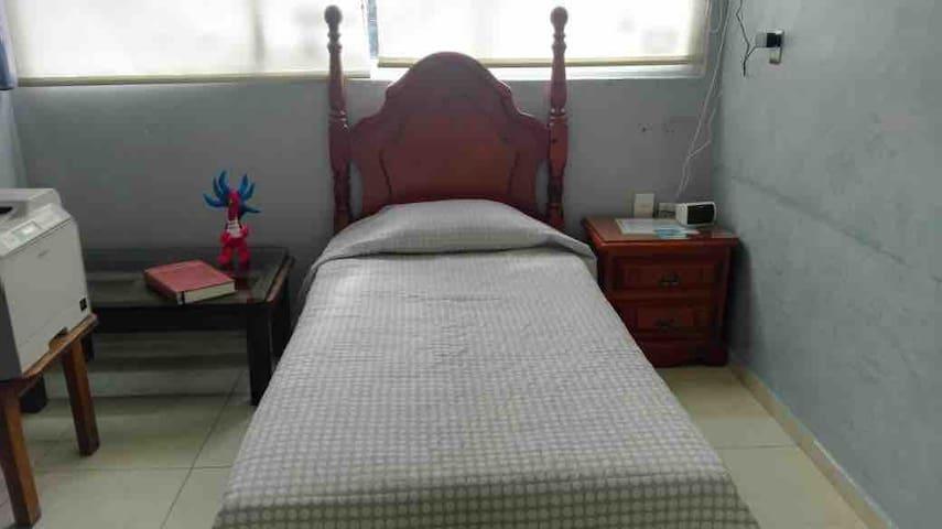 Cómoda cama individual para después concierto.