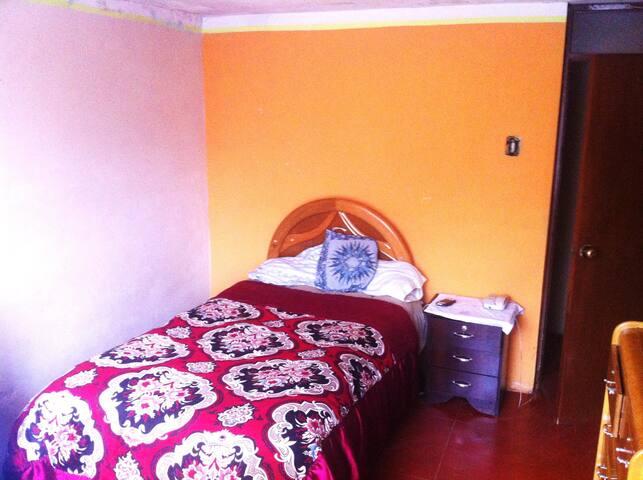 Dormitorio Acogedor Inca Peru - อาเรกีปา - บ้าน