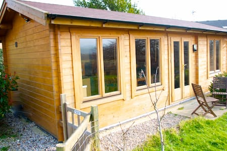 Luxurious Wooden Lodge on the South Downs Way - Beddingham - 小屋