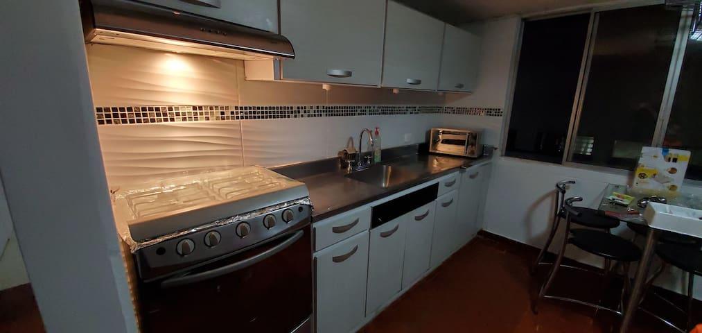 Beautiful, spacious, safe apartment at west Cali