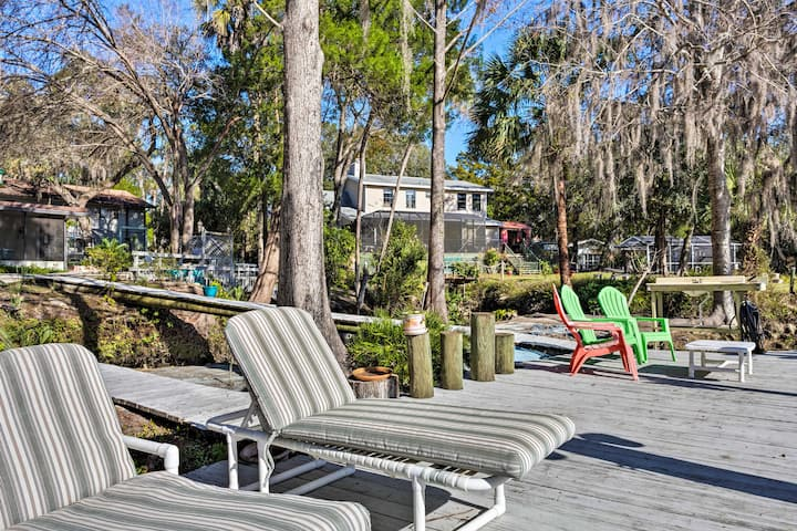 Bright Riverfront Apartment w/Patio + Dock Access!
