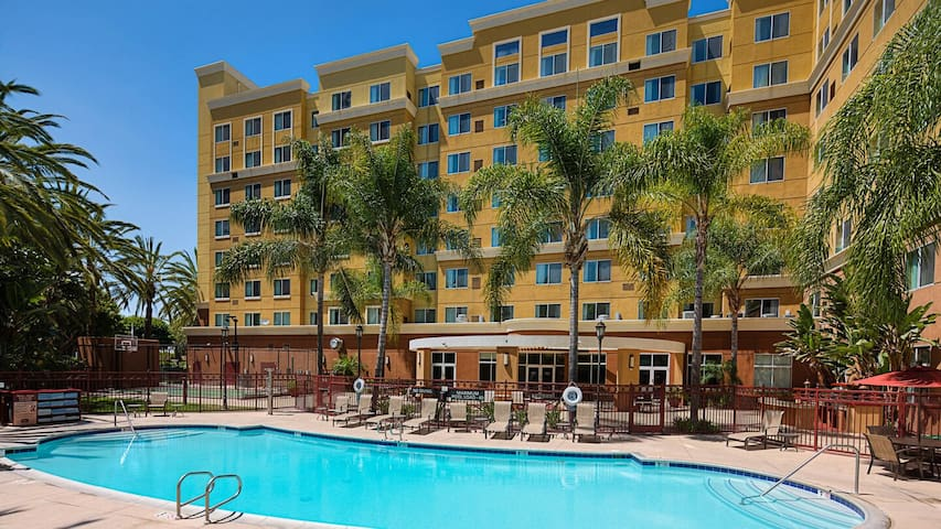 Anaheim 1 Bdr Family Suite near Disneyland