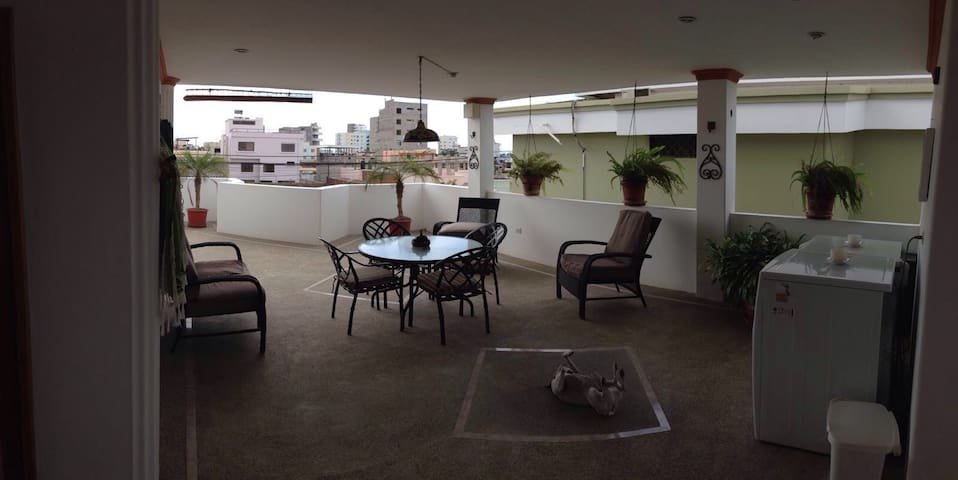 2nd floor 1 bedroom apartment - Manta - Departamento