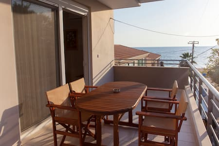 Solymar Apartment - Vrachos